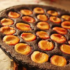 Bezlepkový koláč z makovej múky - Cvičenie a zdravý životný štýl - Cvičte.sk Eating Light, Clean Eating, Crockpot Recipes, Healthy Recipes, Paleo Sweets, Vegan, Something Sweet, Cupcake Cakes, Cravings