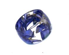Anillo de resina. Presiona el anillo flor por SpottedDogAsheville