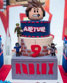 tortas de roblox - Buscar con Google Roblox Birthday Cake, Roblox Cake, 9th Birthday Cake, Lego Birthday Party, 6th Birthday Parties, Edible Cake Toppers, Cakes For Boys, Party Cakes, Birthdays