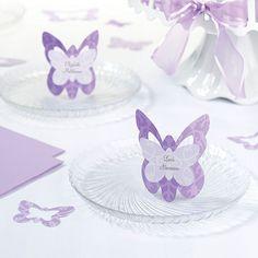 Hejsa. Er der nogen der ligger inde med skabeloner til disse sommerfuglebordkort? Wedding Guest Table, Butterfly Wedding, Napkin Folding, Wedding Anniversary Cards, Deco Table, Menu Cards, Purple Wedding, Holidays And Events, Gift Bags