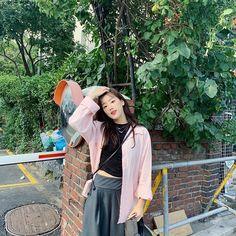 Cute Korean Girl, Asian Girl, Fashion Mag, Fashion Outfits, Grunge Girl, Instagram Girls, Aesthetic Fashion, Aesthetic Style, Korean Actresses