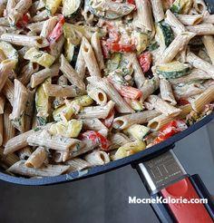 """Makaron z cukinią i łososiem Tortellini, Paella, Pasta Salad, Clean Eating, Chicken, Healthy, Ethnic Recipes, Pierogi, Diet"
