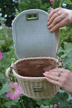 Jane Birkin, Basket Bag, Bag Making, Wicker, Leather Bag, Purses And Bags, Recycling, Weaving, Baskets