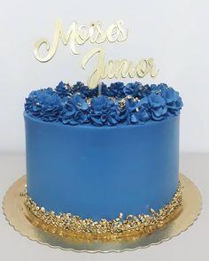 22nd Birthday Cakes, Birthday Cake For Him, Birtday Cake, Elegant Birthday Cakes, Beautiful Birthday Cakes, 22 Birthday, Cake Decorating Frosting, Cake Decorating Designs, Easy Cake Decorating