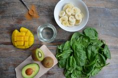 Groene smoothie: spinazie, kiwi, avocado