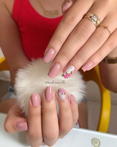 Image may contain: 1 person, closeup Classy Nails, Stylish Nails, Simple Nails, Gorgeous Nails, Pretty Nails, Kawaii Nail Art, Bella Nails, Classy Nail Designs, Nail Time