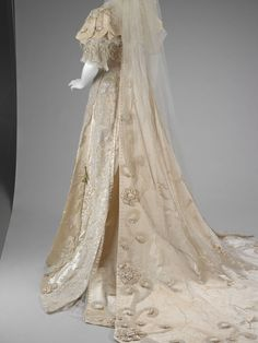 The Indianapolis Museum of Art dress 1810 | wedding dress | Indianapolis Museum of Art