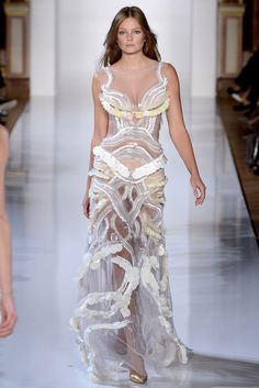 Valentin Yudashkin Spring 2013 Ready-to-Wear Fashion Show - Aline Weber