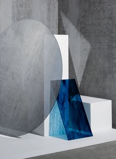 Beautiful composition of colours, shapes and textures by London based female still life photographer Kate Jackling behind Tableaux Vivants, Ecole Art, Inspiration Art, Art Design, Media Design, Still Life Photography, Art Plastique, Light And Shadow, Installation Art