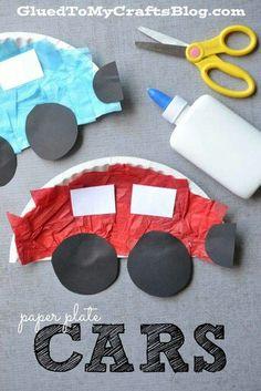 Auto's van papieren bordjes