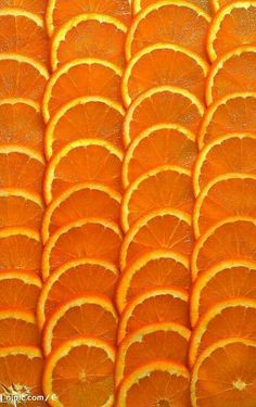Orange slices are recommended for a bourbon tasting because the fruit helps bring out different notes in the bourbon.