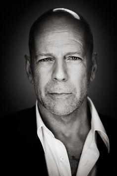 Bruce Willis as Frank Hart