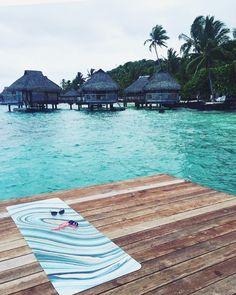 Our hypnotic marble mat looking mighty fine in Bora Bora repost : @christinalolmedo New post on the blog now! #anymatic#yogamatic#printedyogamat#custom#2017 #borabora#yoga#ocean