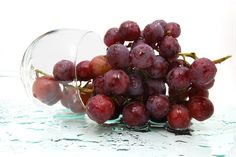 Skincare Ingredient Review: Resveratrol - What Is It? How Does This Anti-Aging Antioxidant Work? Cosmetic Chemist Assessment