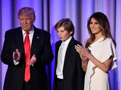 Donald Trump com a mulher, Melania, e o filho, Barron, em foto de 8 de novembro de 2016  (Foto: Saul Loeb / AFP)