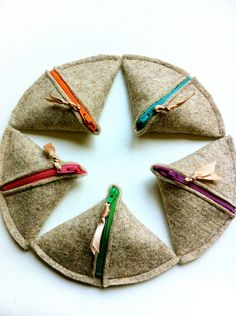 SAMOSA Change Purse- Natural Wool Felt- colored zipper, novelty HOT And SPICY. $8.50, via Etsy.