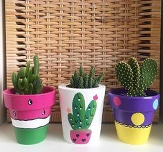 25 Creative DIY ideas with beautiful pots to welcome Spring - Diy crafts home Flower Pot Art, Flower Pot Design, Flower Pot Crafts, Clay Pot Crafts, Diy Crafts, Diy Clay, Cactus Flower, Decor Crafts, Painted Plant Pots