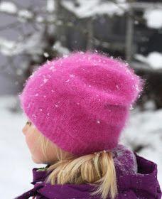 Soppaa ja silmukoita: Hattara-pipo, ohje Knitting For Kids, Cute Kids, Mittens, Ravelry, Knitted Hats, Knit Crochet, Diy And Crafts, Winter Hats, Sewing
