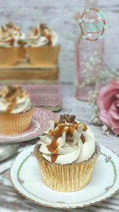 Ministerio de  Cupcakes Y Asuntos Sociales: Cupckes de Plátano y Dulce de Leche con Frosting d...