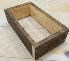 おしゃれなカフェ風ゴミ箱の作り方。ゴミを見せないインテリアダストボックス。|LIMIA (リミア) Hope Chest, Storage Chest, Diy And Crafts, Stool, Living Room, Furniture, Design, Home Decor, Woodworking Ideas