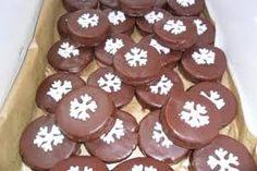 Výsledok vyhľadávania obrázkov pre dopyt orechové kolieska Gingerbread Cookies, Rum, Desserts, Food, Basket, Gingerbread Cupcakes, Tailgate Desserts, Deserts, Essen
