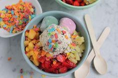 Recipe: Korean Shaved Ice Dessert — Recipes from The Kitchn Patbingsu, Fruity Pebbles Cereal, Hawaiian Shaved Ice, K Food, Homemade Popsicles, Korean Dessert, Rice Cakes, Aesthetic Food, Dessert Recipes