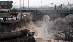 FOTOS: así se derrumbó el muro de contención del proyecto Vía Parque Rímac