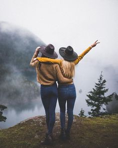 cool 30+ Cute Best Friend Photoshoot Ideas