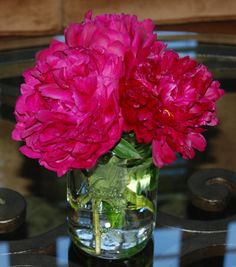 Dark pink peonies in a canning jar vase make a perfect wedding reception table centerpiece. Peonies Wedding Centerpieces, Table Centerpieces, Wedding Flowers, Wedding Reception, Our Wedding, Reception Table, Reception Ideas, Wedding Ideas, Marriage And Family