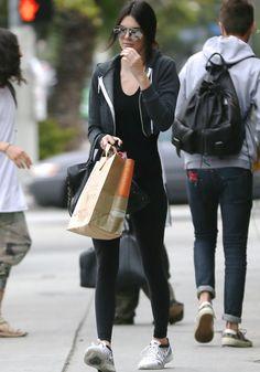 "Kendall Jenner in Subdued Nike ""Flyknit Lunar 2"" Sneakers"