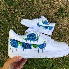 Dr Shoes, Cute Nike Shoes, Swag Shoes, Cute Nikes, Hype Shoes, Shoes Sneakers, Shoes Gif, Women's Shoes, Jordan Shoes Girls