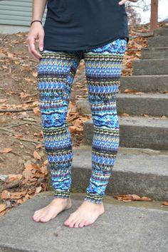 Blue aztec sweater leggings!! $20