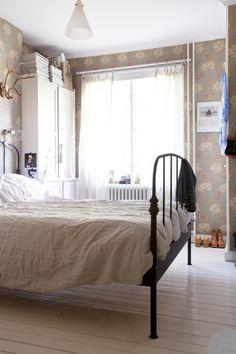 För några veckor sedan var vi och hälsade på hemma hos Cattis som driver bloggen Another Side Of This Life och har en fantastisk instagram där hon heter @annacate. Hon, hennes man Robert och dottern Stella 6år bor i en lägenhet i ett landshövdingehus från 1927 vid mariaplan i kungsladugård/majorna i Göteborg. Eller lägenhet …