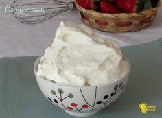 Come preparare in casa la camy cream, crema al mascarpone senza uova e senza farina, soda e compatta, che non cola, per farcire torte, rotoli e crostate