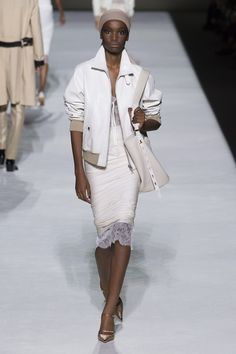 Tom Ford Spring 2019 Ready-to-Wear Collection - Vogue Couture Mode, Style Couture, Couture Fashion, Runway Fashion, Fashion Week, New York Fashion, Trendy Fashion, Fashion Trends, Womens Fashion