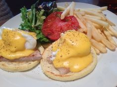 【Glorious Chain Café】お目当ての、エッグベネディクト。うまい。ボリューム満点