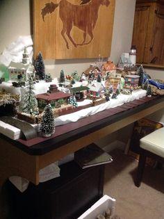 Christmas village Gingerbread Village, Christmas Gingerbread, Christmas Decorations, Table Decorations, Miniature Christmas, Christmas Villages, Buildings, Table Settings, Decorating Ideas