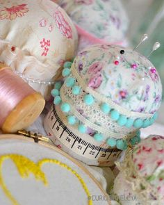 Curiositaellya: Pretty Cylindrical 'Pin Cushion' Container {DIY}