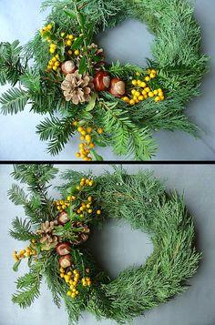 Věnecek Christmas Wreaths, Floral Wreath, Holiday Decor, Home Decor, Christmas Swags, Flower Crowns, Holiday Burlap Wreath, Interior Design, Home Interiors