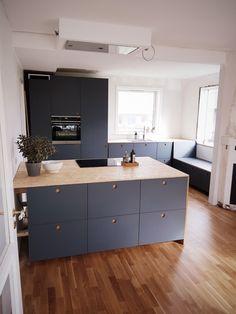 Hvad vi er glade for – og mindre glade for – i vores nye køkken – xn--for& New Kitchen, Kitchen Dining, Kitchen Decor, Galvanized Tub, Wood Interior Design, Room To Grow, Kitchenette, Chickens Backyard, Minimalist Home