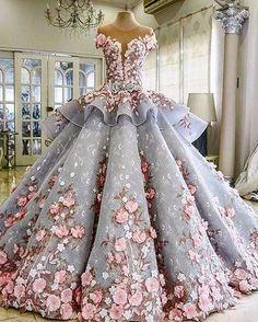 "20.2k Likes, 153 Comments - Fashion Lux Mriya (@mriyatex) on Instagram: ""@maktumang #weddingspiration #weddingideas #weddingdress #phenomenal #exclusive #creative…"""