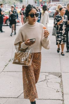My 10 favorite trends from New York Fashion Week and how to style them this Fall Fashion Week, Look Fashion, Girl Fashion, Womens Fashion, Fashion Trends, Fashion Mode, Fall Inspiration, Look Zara, Casual Outfits