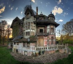 Hof van N., Belgium: Abandoned castle that once belonged to a noble family. Nowadays the chateau interior is in a very dangerous state of decay.  Photo credit: © Kleiner Urbex     I love this so much.