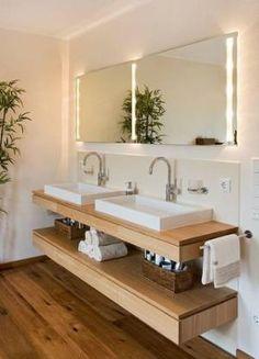 Badezimmer Design Ideen offenen Regal unterhalb der Arbeitsplatte / / zwei Waschbecken sitzen über eine schwimmende Holzregal, das ist genau die richtige Höhe zum Speichern von verschiedenen Lotionen, Tränke, und Cremes, sowie einen Stapel Handtücher. by kaitlin