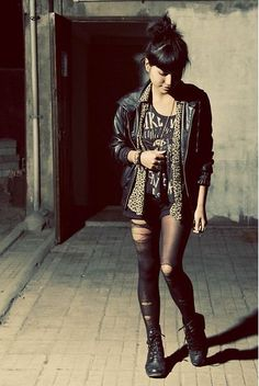 Indie Style. Indie Fashion. Grunge. Leopard, leather, black, distressed tights. Hair and accessories.