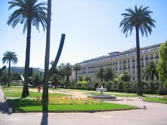Nice self-identifies as the green city of the Mediterranean and has several beautiful gardens including the Jardin Albert 1er, created in 1852 allowing you to take in the beautiful palm trees and flowers of the coastal city.