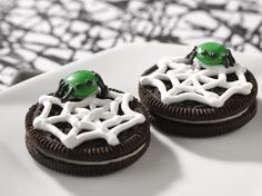 OREO Spiders are so good it's scary. No matter how you spin it, Spooky OREO Spiders are frighteningly perfect for celebrating Halloween.
