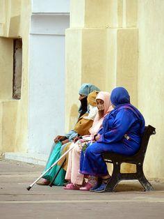 Women Wait . Morocco  - Maroc Désert Expérience http://www.marocdesertexperience.com
