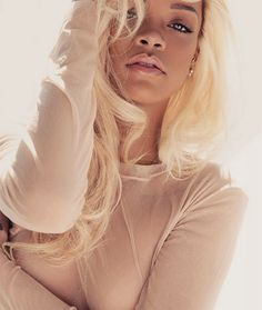 She is literally so beautiful #Rihanna I looove her blonde hair