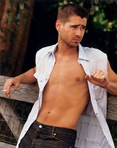 9/20/2012 Last night I dreamed I was being stalked by a dangerous unstable man, lucky for me he looked like Colin Farrell.
